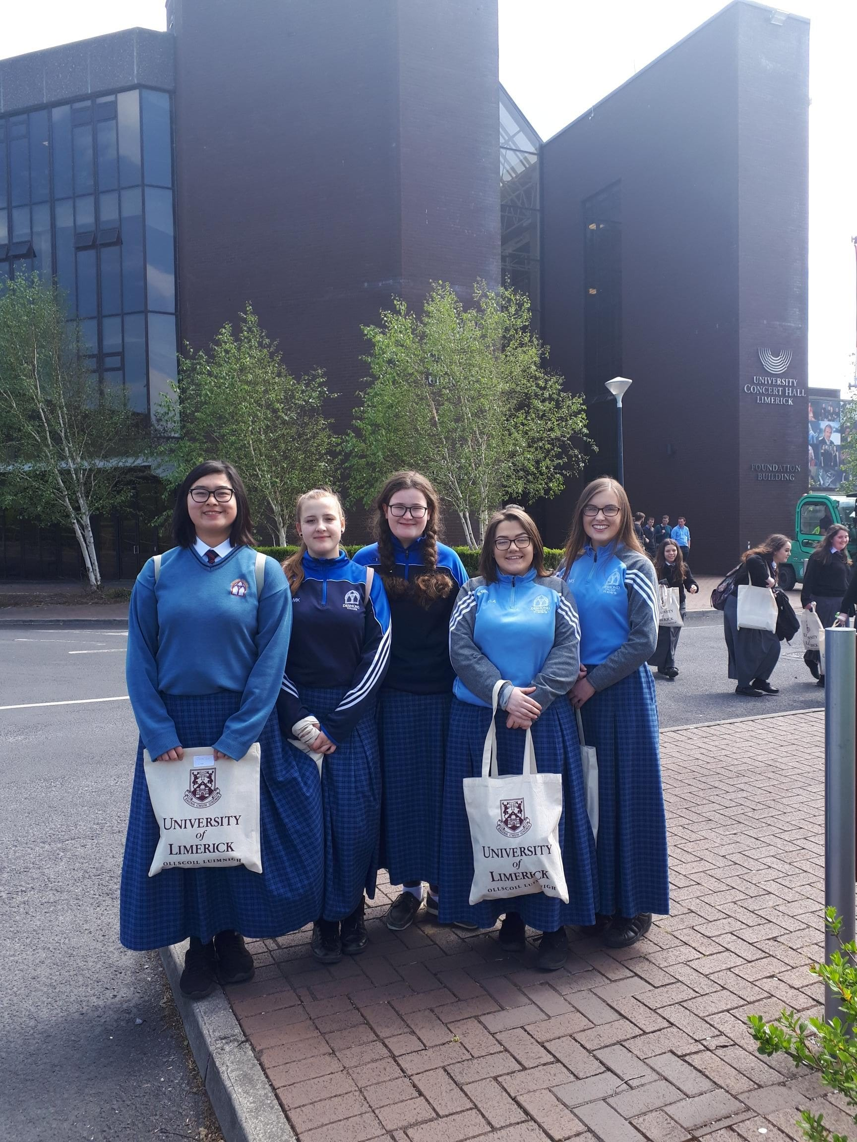 Joanne Lai, Marcelina Krzywdainska, Alanis Leen, Chloe Aherne and Mary Sexton who took part in the Teacher Taster Programme at the University of Limerick
