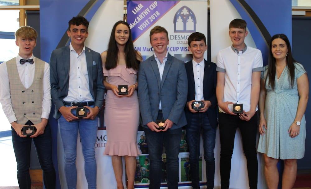 Dylan O Shea, Oisin O Sullivan, Fiona Kelly, Cormac Browne, Conor Fox, Declan O Conner receiving their Gaisce Award from Ms Culhane
